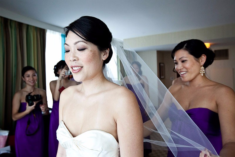 Bride and bridesmaids getting ready at the Hotel Intercontinental in San Francisco